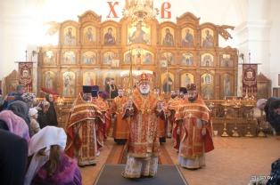 В день памяти священномученика Порфирия Заславского Патриарший Экзарх всея Беларуси совершил Божественную литургию в Преображенском соборе города Заславля