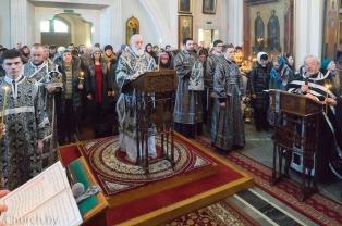 Митрополит Павел совершил Пассию в Свято-Духовом кафедральном соборе города Минска