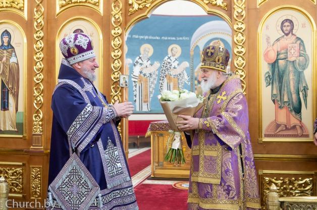 В субботу четвертой седмицы Великого поста митрополит Павел совершил Литургию в Богоявленском кафедральном соборе города Полоцка