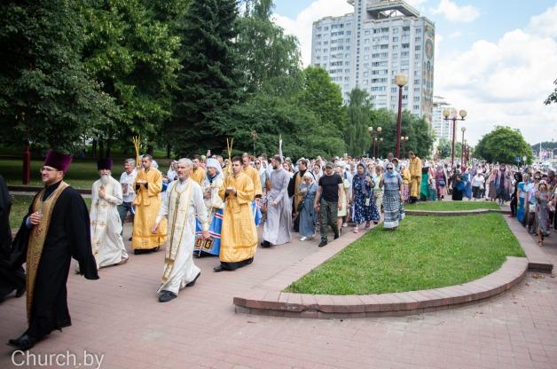 В городе Минске проходит крестный ход по случаю празднования 800-летия со дня рождения благоверного князя Александра Невского [ОБНОВЛЯЕТСЯ]